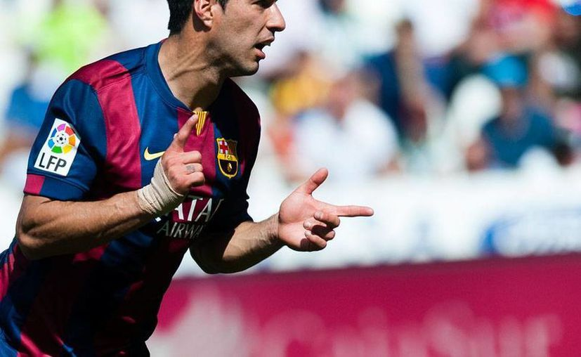Luis Suárez anotó 3 goles en goleada del Barcelona al Córdoba, en la Liga de España. (AP)