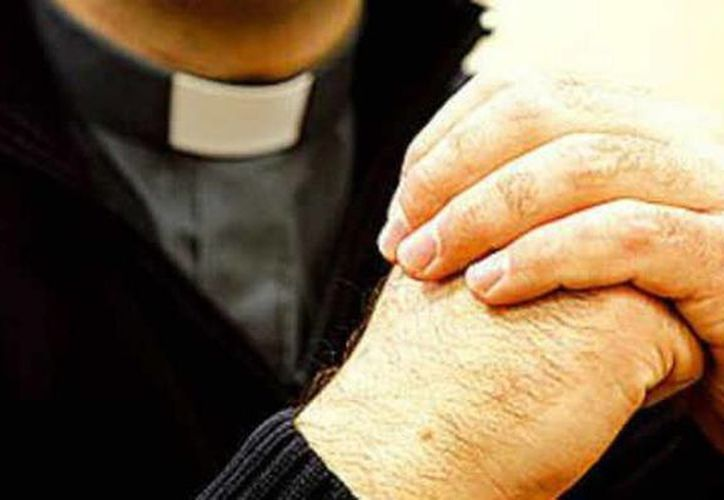 El sacerdote Daniel Pauvif Rojas fue suspendido de su ministerio en octubre de 2012. (Archivo/Agencias)