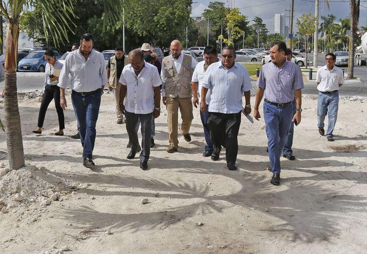 Las autoridades recorrieron la zona de obras del proyecto. (Jesús Tijerina/SIPSE)