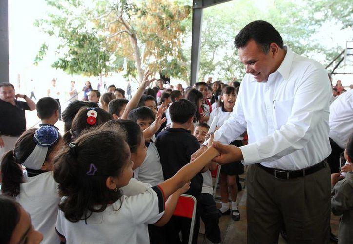 El gobernador Rolando Zapata Bello encabeza este jueves un evento sobre educación. (SIPSE)