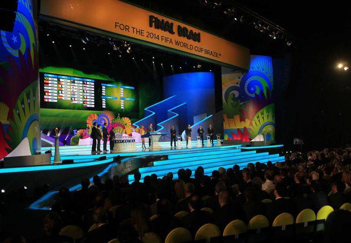 El gremio internacional de jugadores presionó a la FIFA para mover los horarios de los juegos. (Foto: EFE)