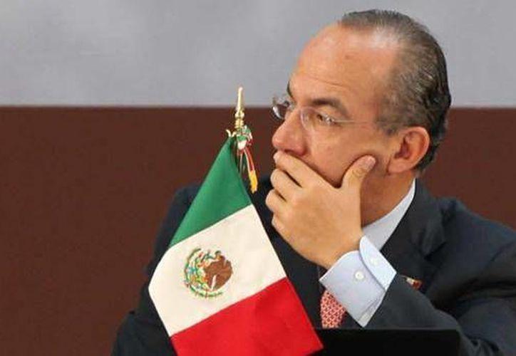 Los grupos parlamentarios del PRI y el PRD exhibieron en el Senado de la República los casos de corrupción detectados durante el gobierno de Felipe Calderón. (Archivo/Notimex)