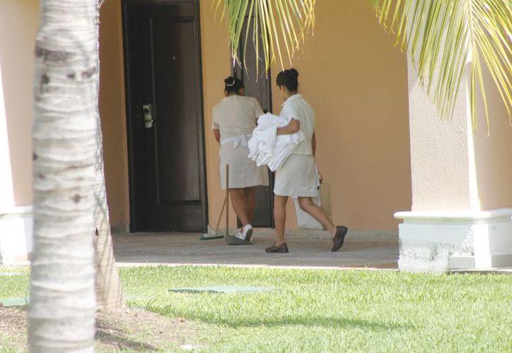 Los patrones están obligados a capacitar a trabajadores mexicanos en la especialidad de que se trate. (Redacción/SIPSE)