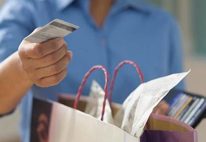 Muchas personas evitan el uso de efectivo y en su lugar sólo usan tarjetas de crédito y de nómina. (Milenio Novedades)