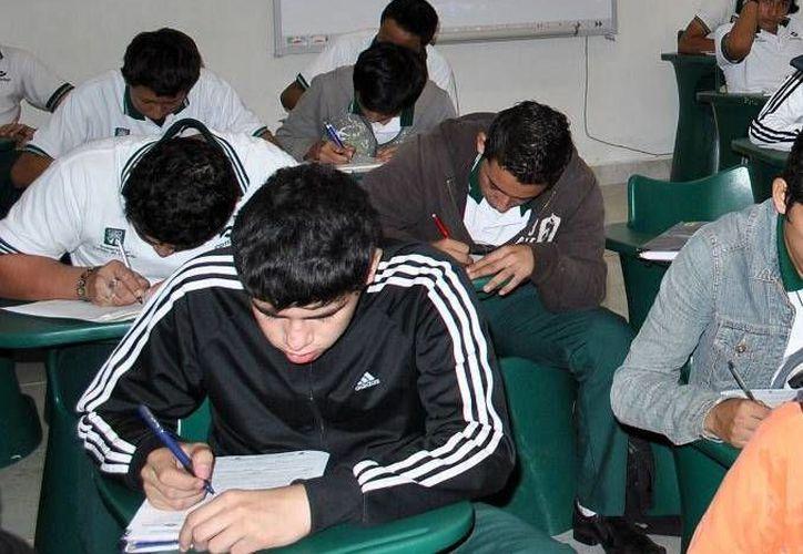Reportan alta demanda de becas por estudiantes de nuevo ingreso. (Milenio Novedades)