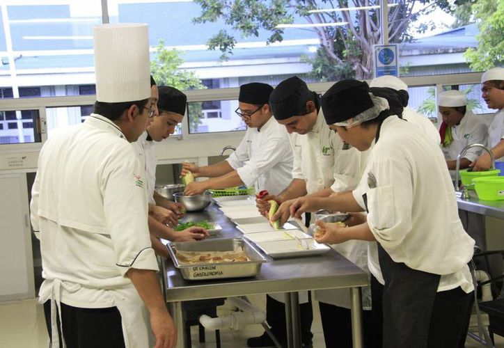 El 2 de octubre finalizarán las actividades del congreso gastronómico. (Tomás Álvarez/SIPSE)
