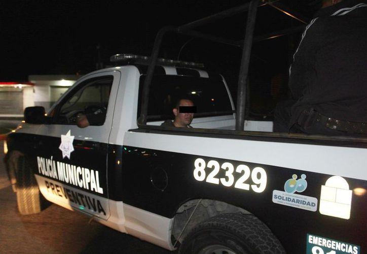 Un delincuente despojó a una mujer de su cartera cuando caminaba sobre la avenida Juárez. (Redacción/SIPSE).