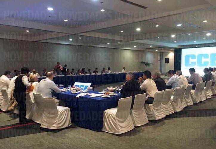 El Consejo Coordinador Empresarial del Caribe califica como bueno el pacto de austeridad. (Luis Soto/SIPSE)