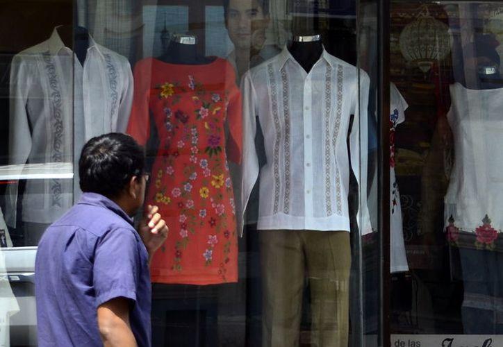 Yucatán es conocido por producir guayaberas de alta calidad. (Foto: Milenio Novedades)