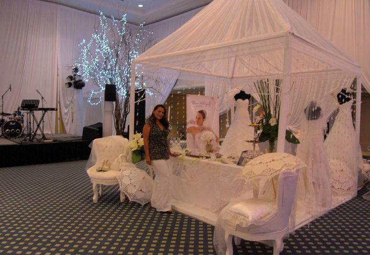 El Bridal Show Cancún 2013 se inauguró el sábado en el hotel Fiesta Americana Grand Coral Beach. (Tomás Álvarez/SIPSE)