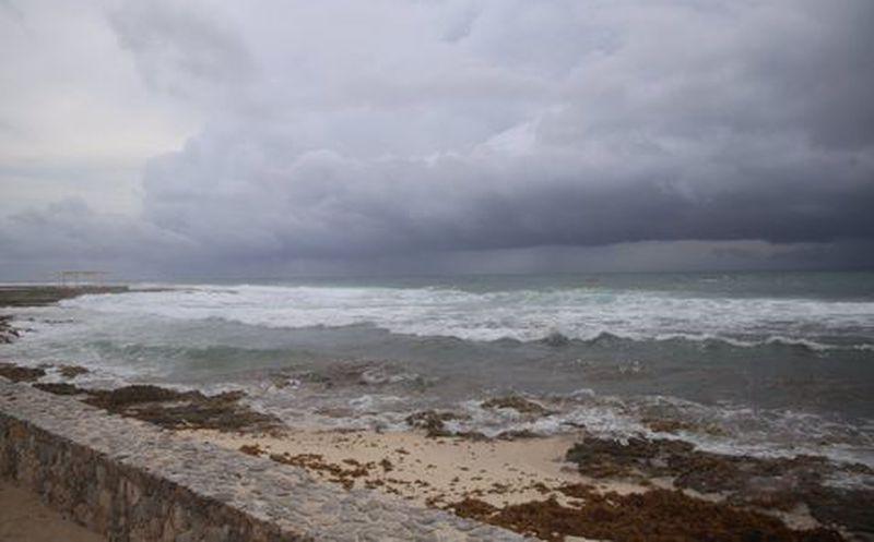 Sin víctimas mortales aún, tormenta Franklin avanza por Península de Yucatán