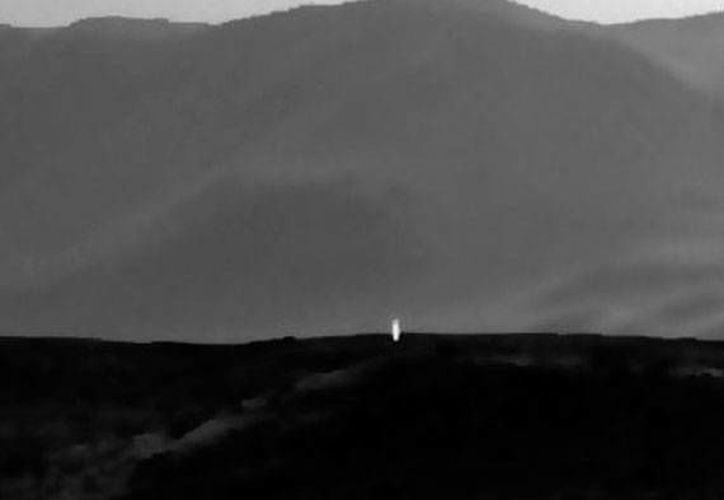 La extraña luz que fue captada por el Curiosity, en Marte, aún no tiene una explicación oficial por parte de la NASA. (actualiad.rt.com)