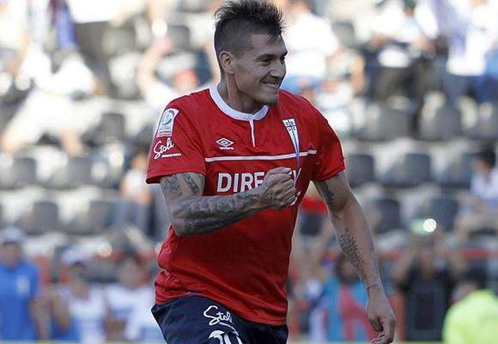 El futbolista Nicolás Castillo llega procedente de la Universidad Católica de Chile, equipo en el que conquistó el bicampeonato de goleo.(Foto tomada de Facebook/Universidad Católica de Chile)