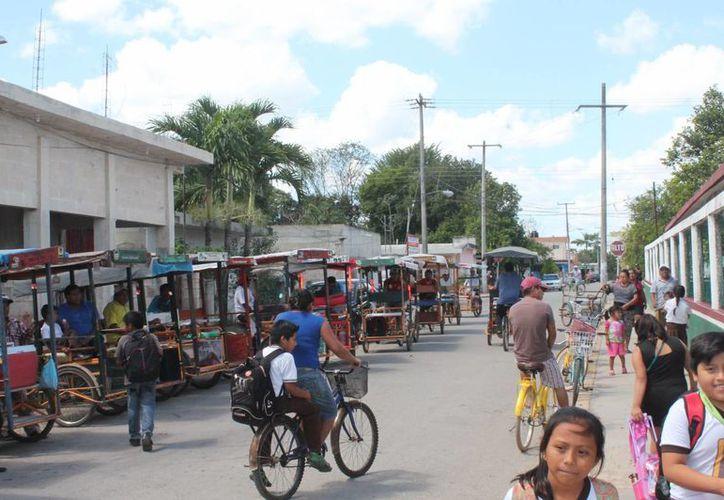 Los transportistas pertenecen a diferentes centrales obreras. (Gloria Poot/SIPSE)