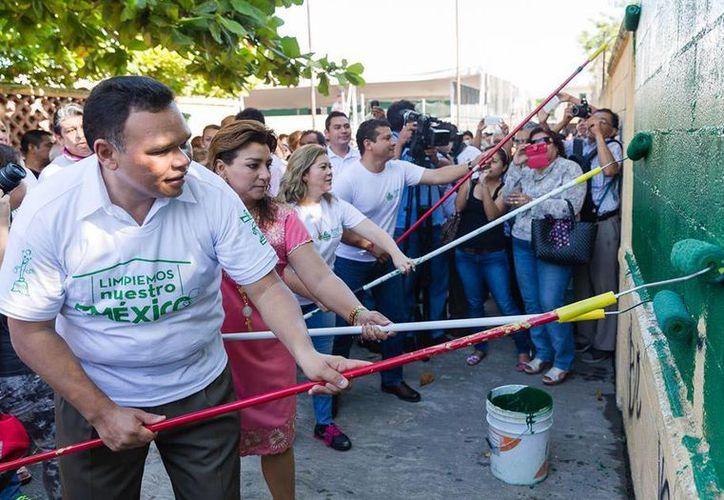El domingo, el gobernador se sumó a la iniciativa Limpiemos nuestro México. (Cortesía)