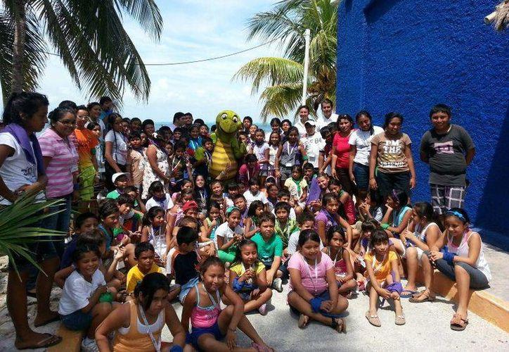 Niños del campamento de verano de la Iglesia del Sagrado Corazón de Jesús. (Lanrry Parra/SIPSE)