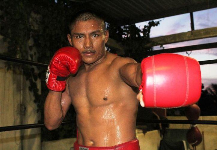 El boxeador menciona que ha sufrido mucho en el boxeo. (Ángel Villegas/SIPSE)