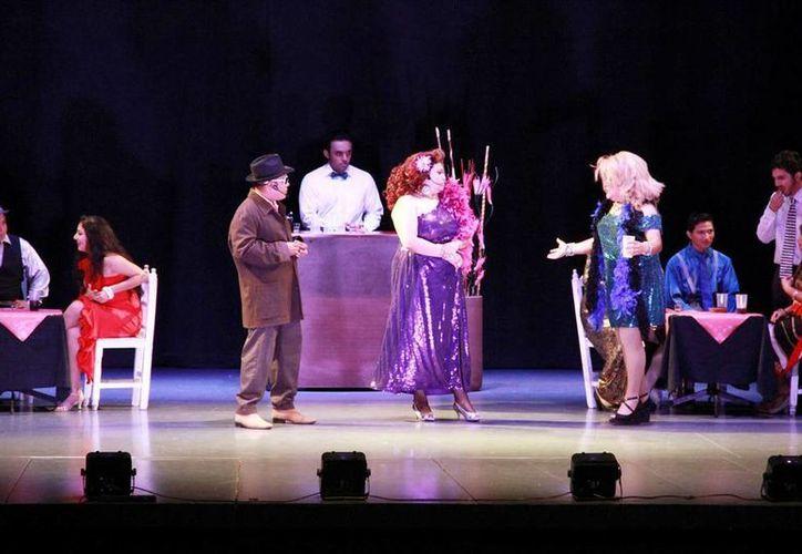La obra de teatro 'Perdida' se presentó como parte del Festival de Teatro 'Wilberto Cantón' en el teatro Daniel Ayala. (Milenio Novedades)