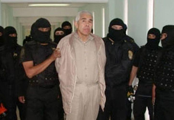 En 1970 comenzó su participación en el crimen organizado cuando se asoció a Miguel Ángel Félix Gallardo y Ernesto Fonseca Carrillo alias Don Neto. (Internet)