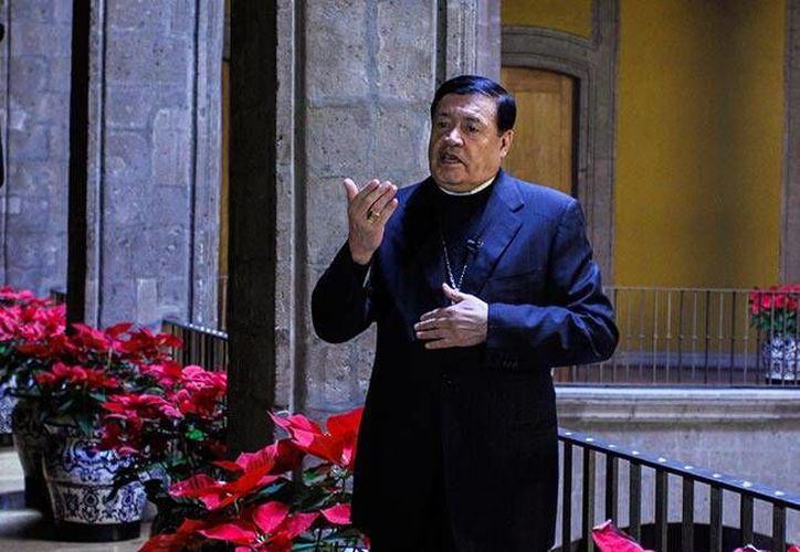 Al oficial la última misa dominical del año, el cardenal Norberto Rivera Carrera llamó a defender un sistema de educación que ampare las ideas religiosas individuales, y no uno que <i>ridiculiza la conciencia</i>. (Excelsior)