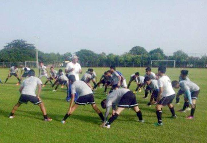 Semillero del Mérida FC, en las instalaciones de Tamanché. (Milenio Novedades)