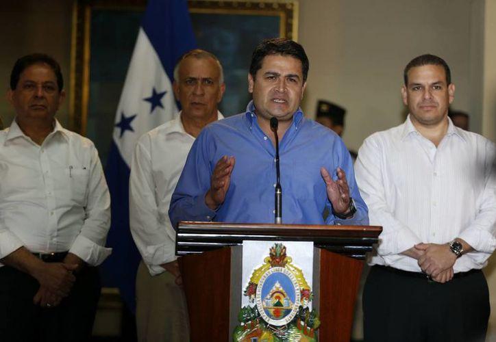 El presidente hondureño, Juan Orlando Hernández, durante una rueda de prensa sobre el presunto narcotraficante Carlos Arnaldo Lobo, quien fue entregado a la justicia de Estados Unidos. (EFE)