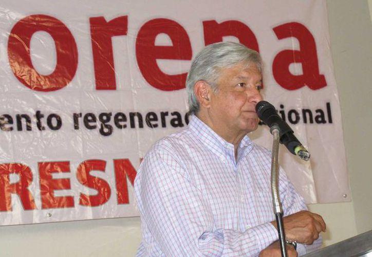 El vocero del excandidato presidencial, César Yañez, confirmó que Andrés López Obrador fue hospitalizado. En la imagen, AMLO en un evento de Morena. (Notimex)