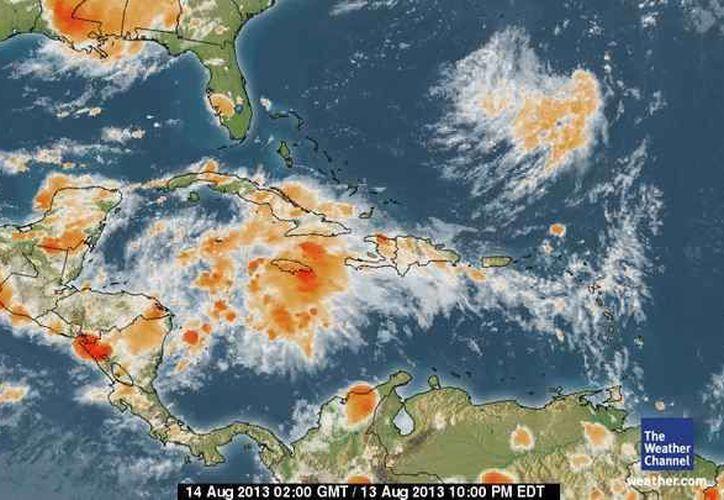 El disturbio tropical se aproxima a la región. Hoy se sentirán sus primeros efectos, con lluvias. (SIPSE)