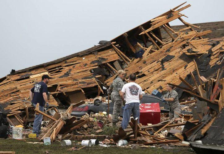 El tornado tuvo una categoría EF4, la segunda máxima, con vientos de hasta 320 kilómetros por hora. (EFE)
