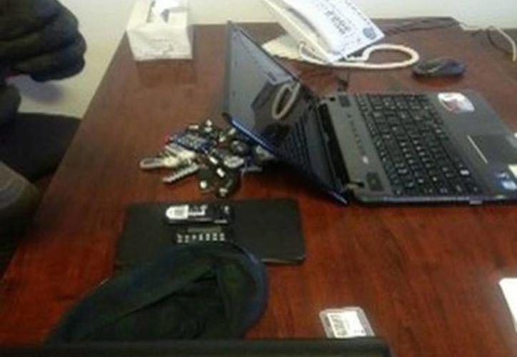 La Agencia de Investigación Criminal decomisó en un departamento de Polanco diversos dispositivos para intervenir comunicaciones. (Milenio)