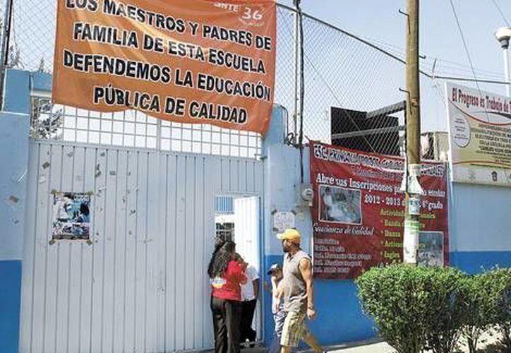 """Esta es la escuela primaria """"Hank González"""", donde Elba Esther dio clases hace 40 años. (Milenio)"""