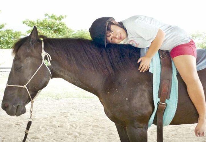La equinoterapia se consolida como una alternativa para que niños con discapacidad puedan mejorar en diversos aspectos físicos y emocionales. (Milenio Novedades)