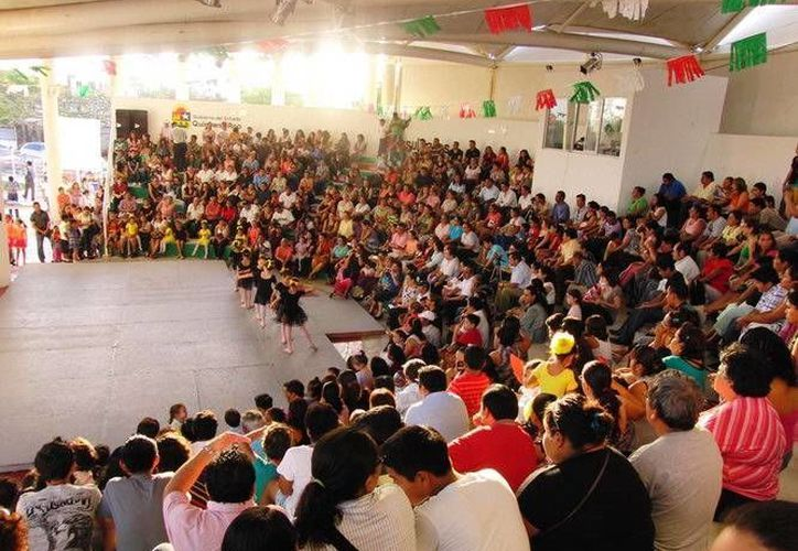 Asistieron al evento más de 600 personas. (Redacción/SIPSE)