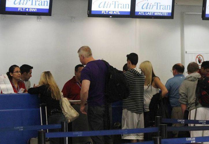 Las ventas anticipadas de boletos de avión han aumentado este año. (Luis Soto/SIPSE)