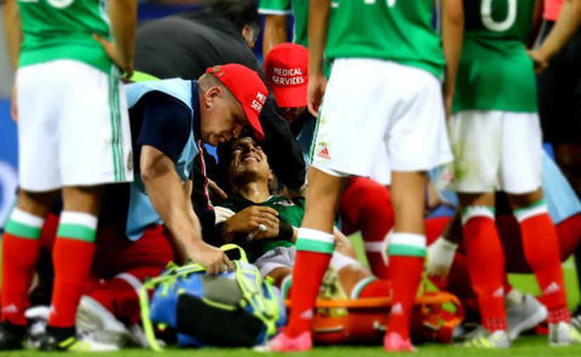 Salcedo fue diagnosticado con una lesión del ligamento de la articulación acromioclavicular. (Reuters)