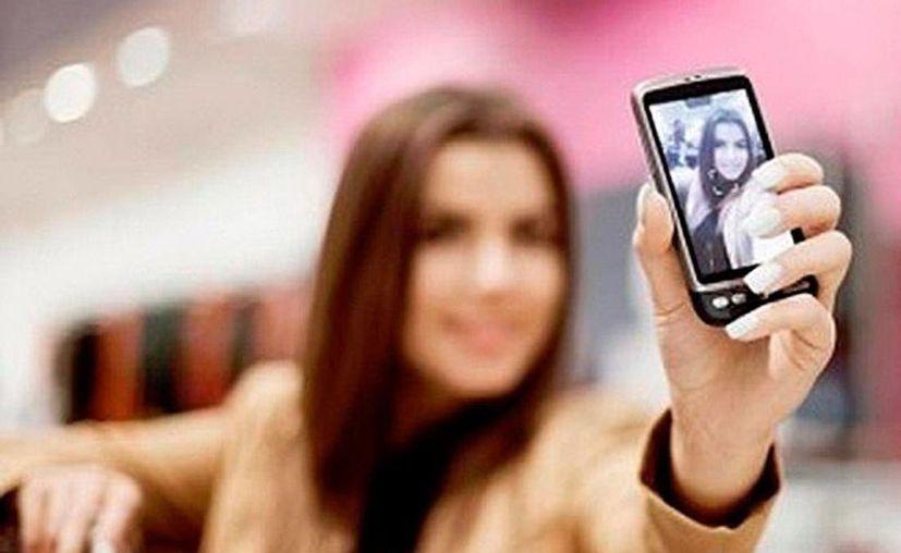 Las cámaras de los teléfonos inteligentes tienen muchas más funciones además de las famosas 'selfies'. (EFE)