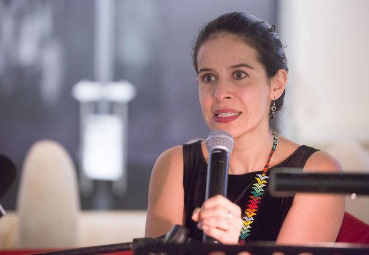 Arcelia Ramírez en rueda de prensa previa a su presentación en el FICMaya 2013. (SIPSE)