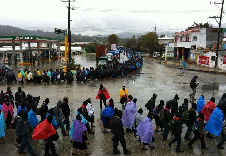 Alrededor de las diez de la mañana comenzó la mega marcha. (www.pozol.org)