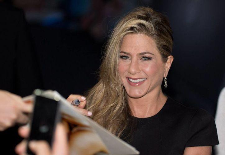 En la imagen, la actriz estadounidense Jennifer Aniston, quien según la revista OK Magazine afirma que está embarazada. (EFE/Archivo)