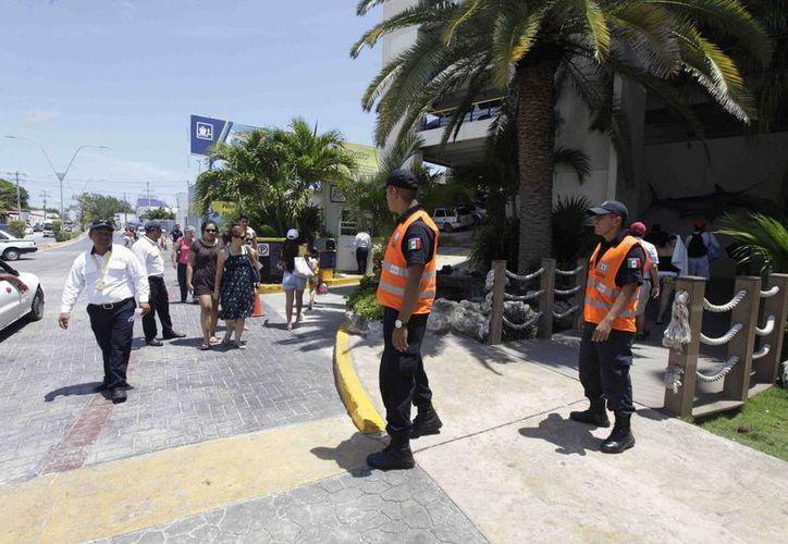 Más de 900 elementos de seguridad resguardarán el orden durante las vacaciones de Semana Santa en Cancún. (Cortesía)