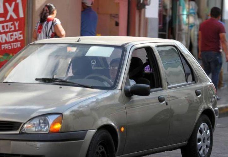 La PGR dio a conocer que la venta de vehículos de la SCT, publicada en dos portales electrónicos, es  falsa. (Milenio Novedades)