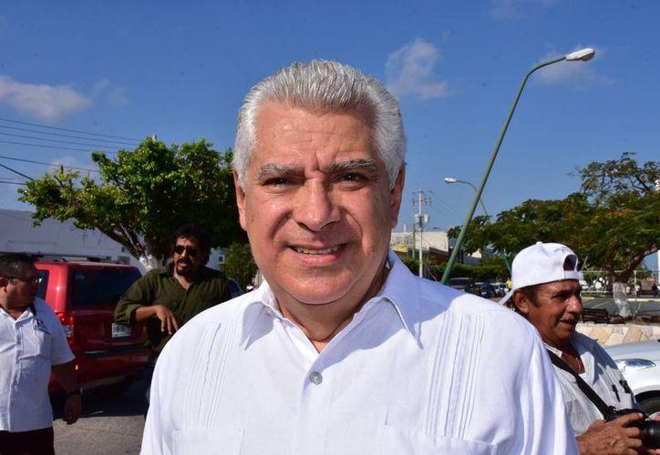 Imagen del fiscal general del Estado, Juan Manuel Herrera Campos, quien señaló que los ex servidores públicos presuntamente hicieron mal uso de fondos públicos. (SIPSE)