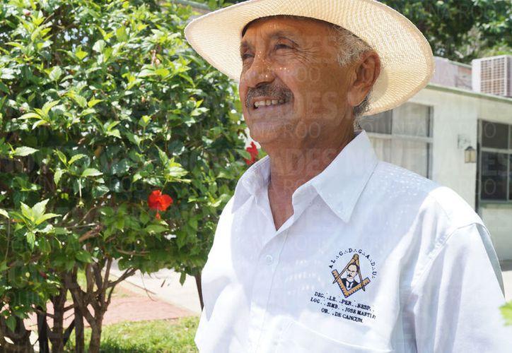 """""""En el 76, por algunas circunstancias especiales me tocó venir a vivir a Cancún, porque no estaba planeado"""". (Ivett Ycos/SIPSE)"""