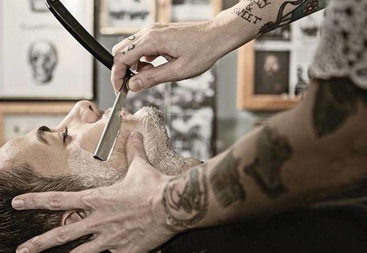 Aumentan en México el servicio de barberías de corte o de afeitado en una atmósfera de exclusividad. (Facebook Barber Depot)