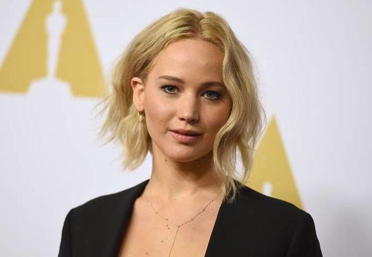 La actriz Jennifer Lawrence anunció la donación de dos millones de dólares para niños enfermos, esto luego de visitar en las fiestas navideñas un hospital en su natal Kentucky. (AP)