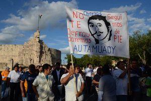 Nueva marcha en apoyo de la huelga en la Uady