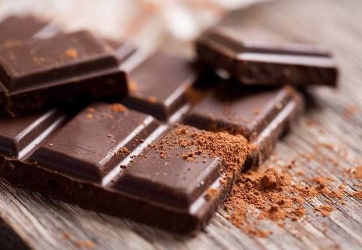 El chocolate tiene propiedades antioxidantes y previene la obesidad y la diabetes. (www.top10de.com)