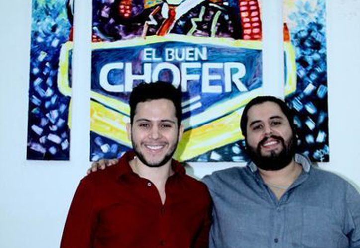 César Gabriel y Andrés Gabriel Briceño Durán  comenzaron con el mínimo recurso económico para crear su empresa 'El buen chofer'. (Jorge Acosta/SIPSE)