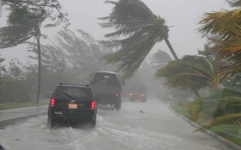 Fuerte huracán golpeará Cancún — Mhoni Vidente