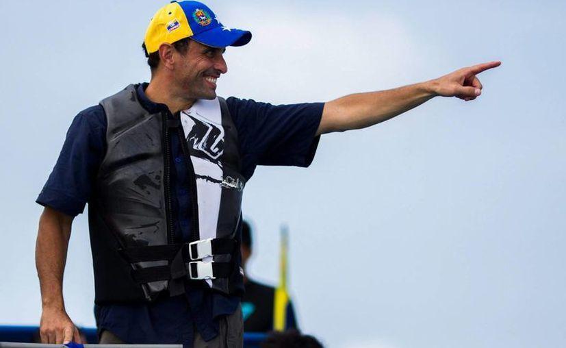 El candidato presidencial de la oposición en Venezuela Henrique Capriles cambia de estrategia. (EFE/Archivo)